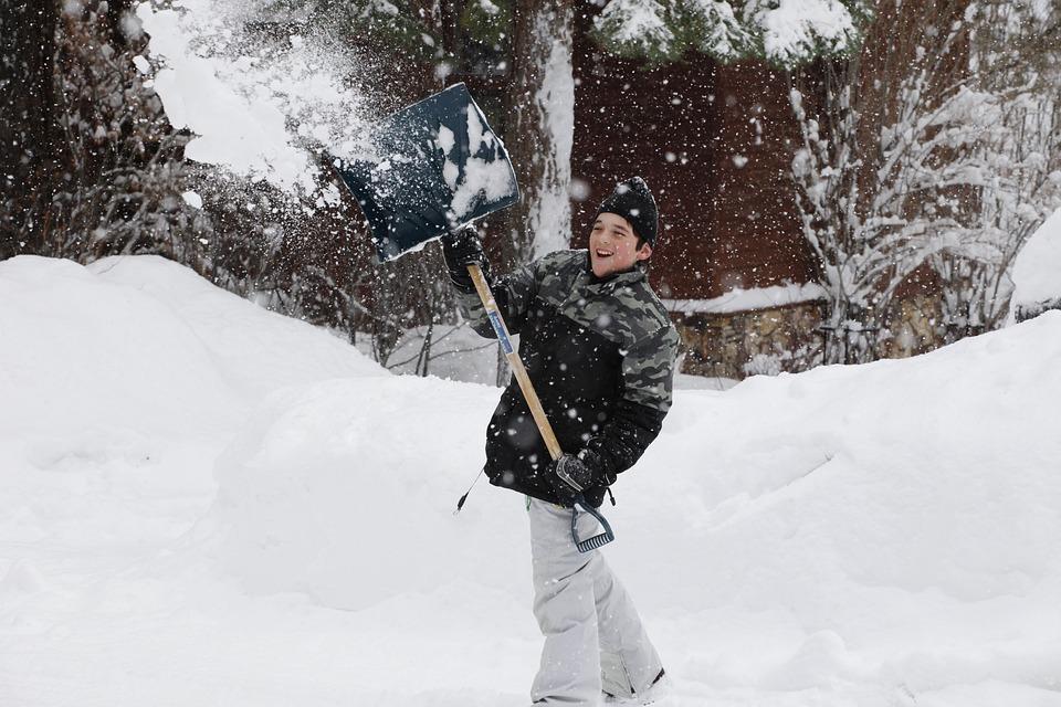 Proper Snow Shoveling Techniques